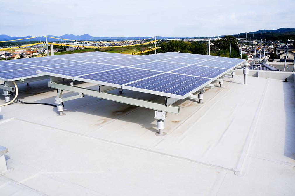 某マンション 塩ビシート太陽光架台設置
